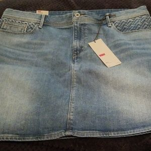 Woman's short Levi Denim Skirt